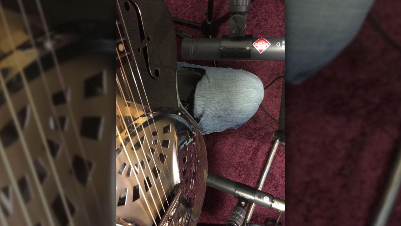 Mikrofonierung Resonator Gitarre